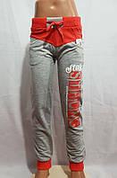 Спортивные штаны для девочки 5-8 лет серого цвета с надписью оптом