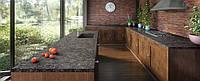 Интерьер кухни с использованием искусственного (кварцевого) камня Caesarstone 6003 Coastal Grey