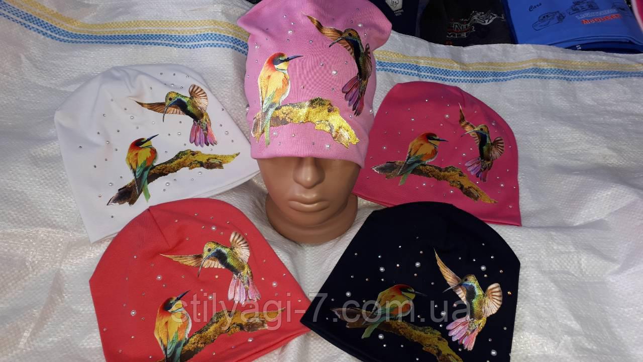 Шапка демисезонная для девочки 54-56 р птицы розового, белого,черного, красного цвета оптом