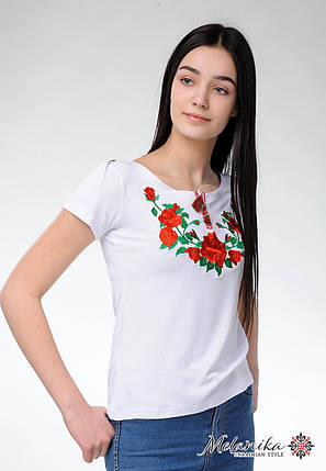 Жіноча вишита футболка в українському стилі «Троянди на білому», фото 2