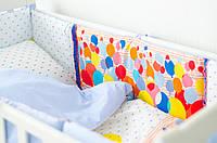 Мягкая защита для детской кроватки «Воздушные шарики»