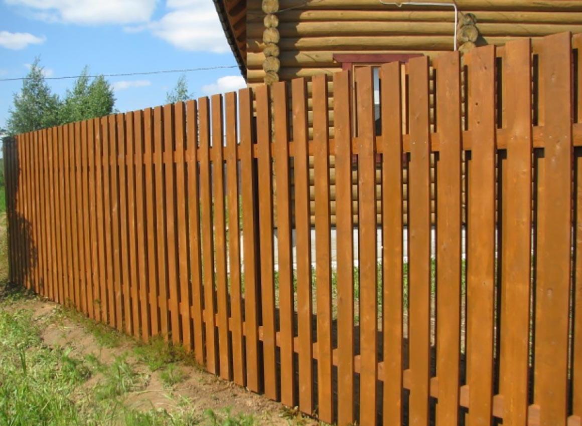 Деревянные заборы - почему стоит выбрать?