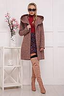 Модное женское пальто с капюшоном и карманами розового цвета