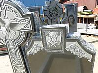 Памятники гранитные с голубами