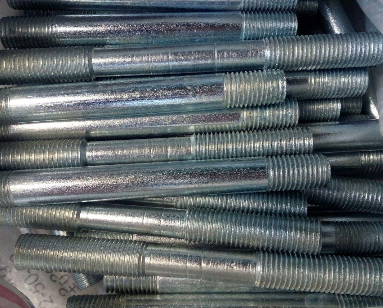 Шпилька М22 ГОСТ 22040-76, ГОСТ 22041-76, DIN 940 с ввинчиваемым концом длиной 2,5d