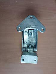 Петля двери нижняя (правая / левая) Е3-Е4 3801999
