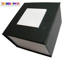 Подарункова картонна коробка для наручних годин.