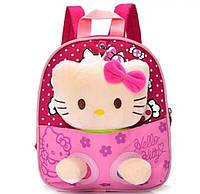 Детский малиновый рюкзак с игрушкой Кошечка 21*24 см