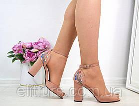 Босоножки вышивка каблук + (2 цвета)