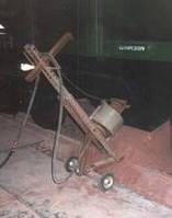 Устройство для интенсификации разгрузки сыпучих из вагонов-хопперов