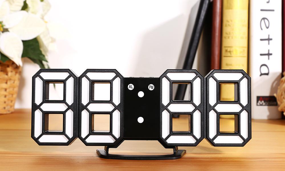 Часы 3D светодиодные светящиеся большие с будильником