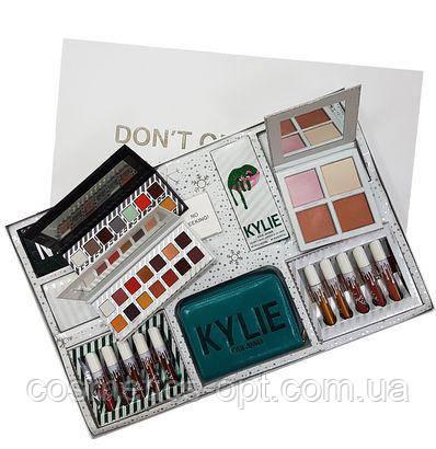 Подарочный набор декоративной косметики KYLIE Do Not Open Until Christmas (реплика)