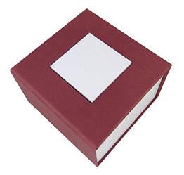 Бордовая подарочная картонная коробочка для наручных часов