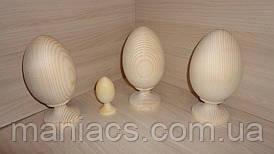 Деревянное яйцо на цельной деревянной подставке 19 см