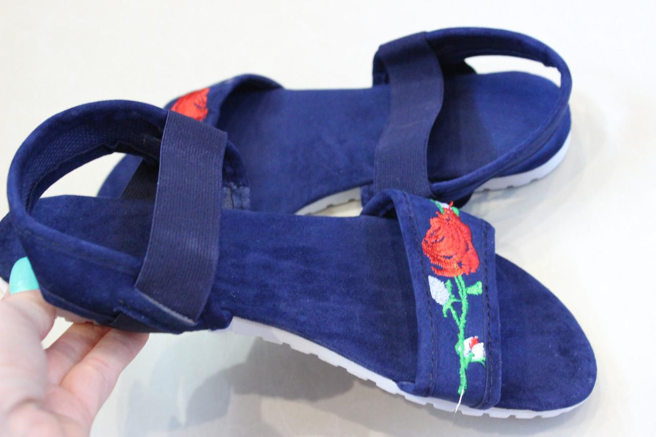 Босоножки с вышивкой синие размер 37
