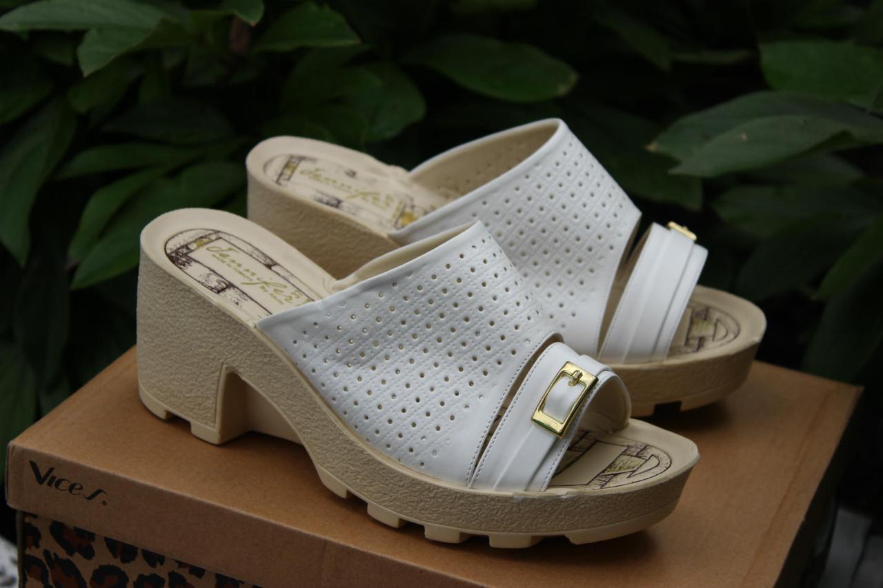 Женские шлепки на каблуке размер 36