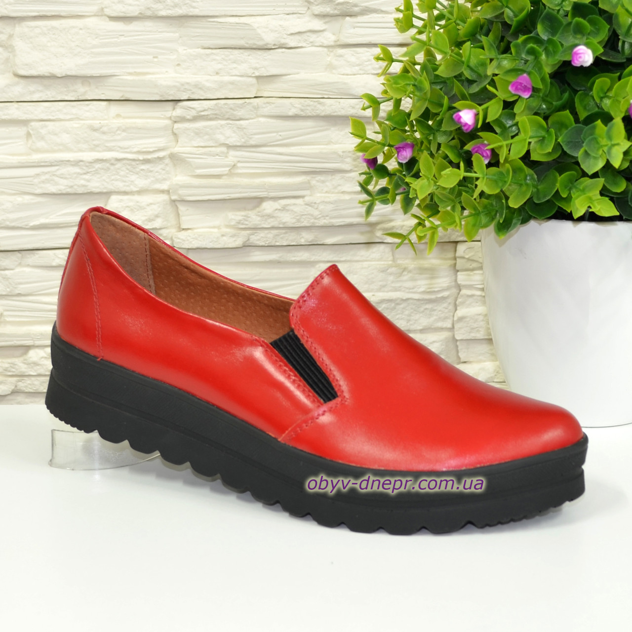8ed719927 Туфли женские из натуральной кожи красного цвета на утолщенной подошве