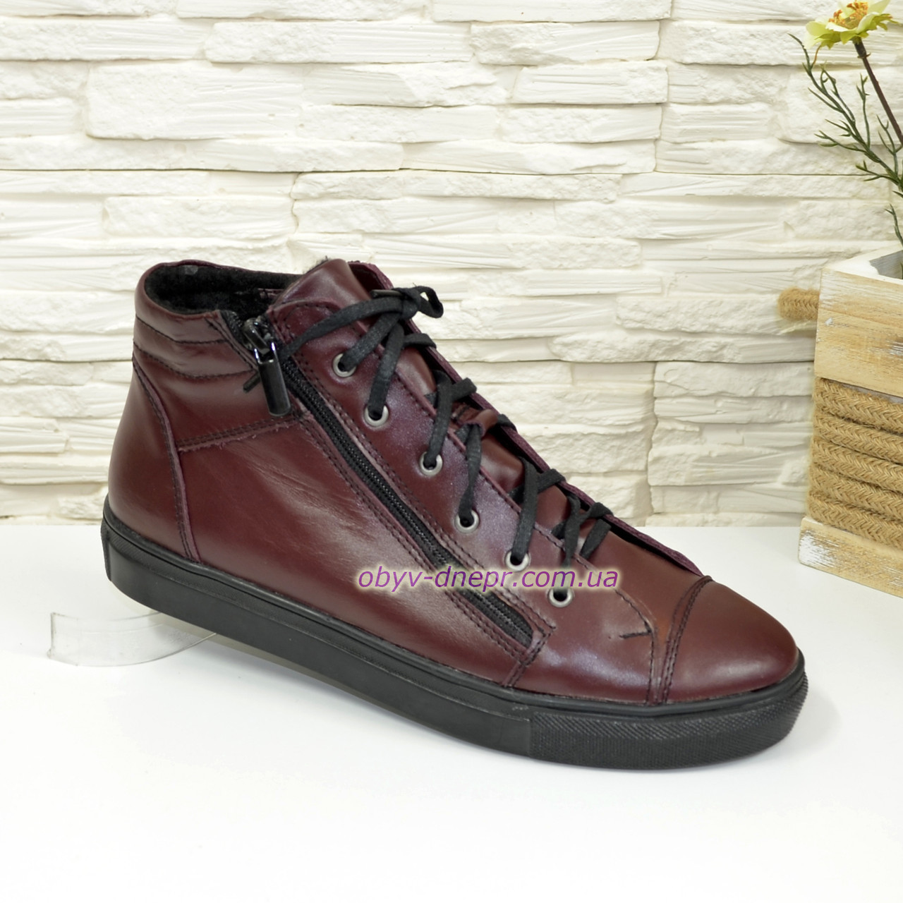 Женские демисезонные ботинки, из натуральной кожи бордового цвета, на плоской подошве