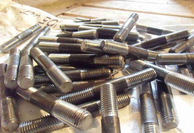 Шпилька М48 ГОСТ 22040-76, ГОСТ 22041-76, DIN 940 с ввинчиваемым концом длиной 2,5d