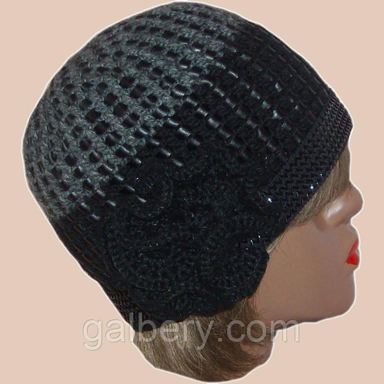 Женская вязаная шапка на подкладке c элементами кожи цвета маренго