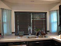 Деревянные жалюзи на кухню, цвет джакаранда 50 мм