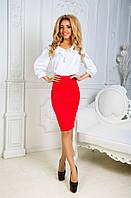 Костюм с шелковой блузкой красный