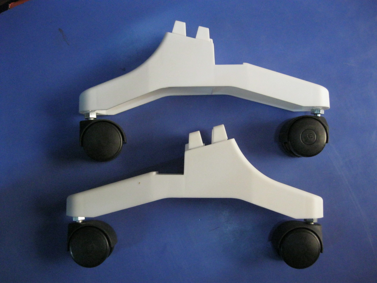 Комплект ножек для конвектора Термия(с колесиками)