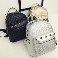 Плетеный рюкзак с заклепками, цвета в наличии, фото 1