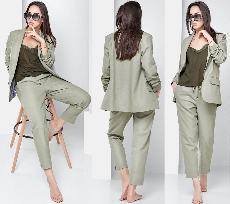 a8ac1a931a0ba59 Женский льняной костюм с брошью и укороченными брюками с разрезами по бокам  42-48 р