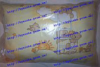 Подушка детская от года, размером 38*58 см, высотой 7,8 см