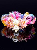 Красивая резинка для волос с цветами и жемчугом