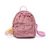 Пудровый бархатный рюкзак с жемчугом