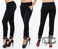 Стильные женские брюки с кружевом