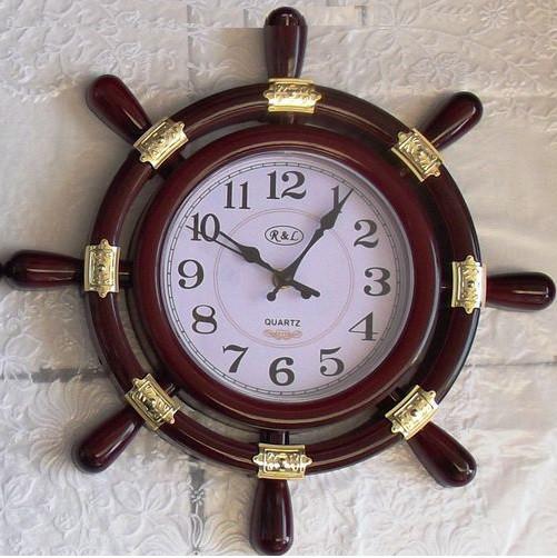 Часы в виде штурвала в Екатеринбурге