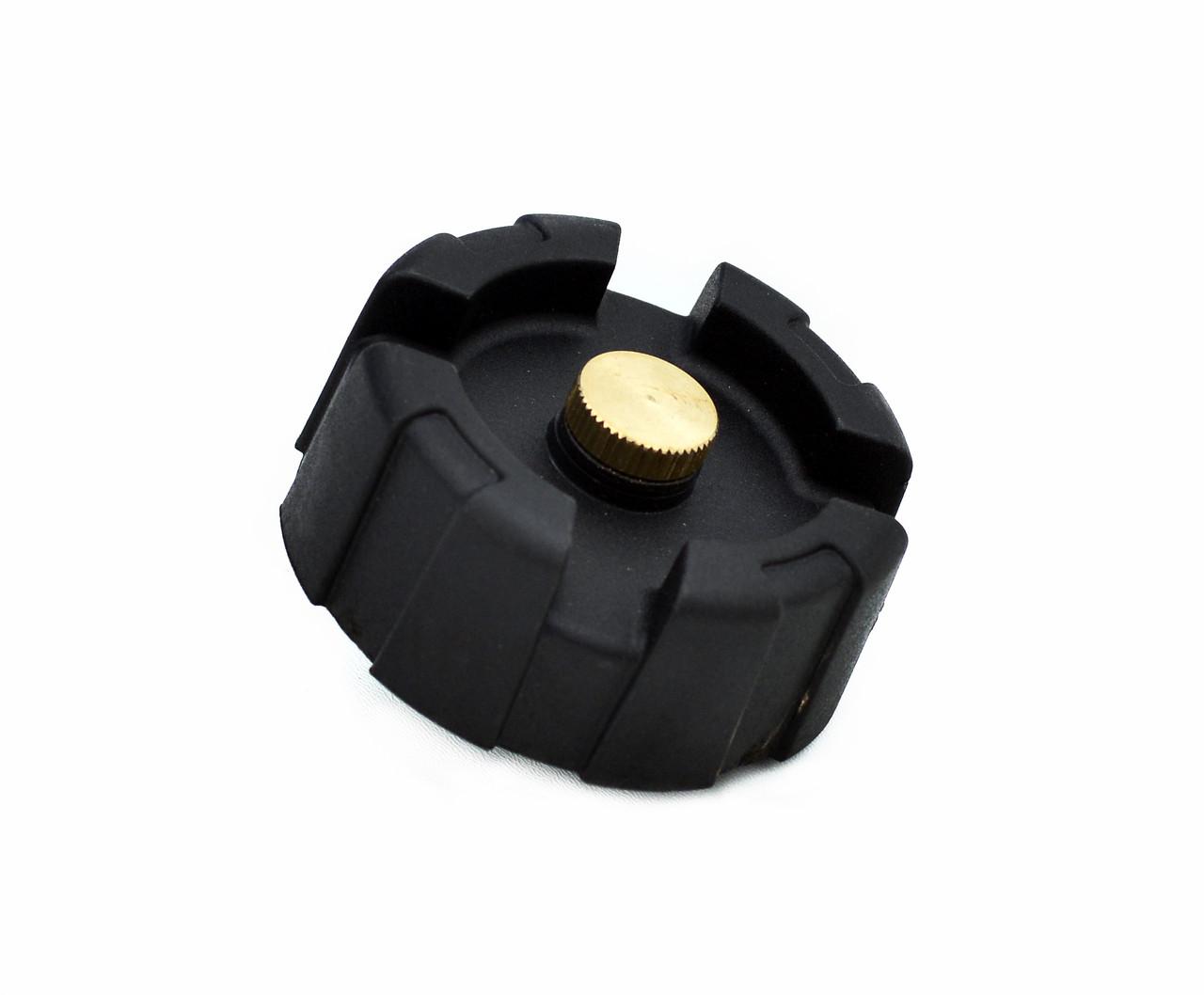Крышка для лодочного топливного бака