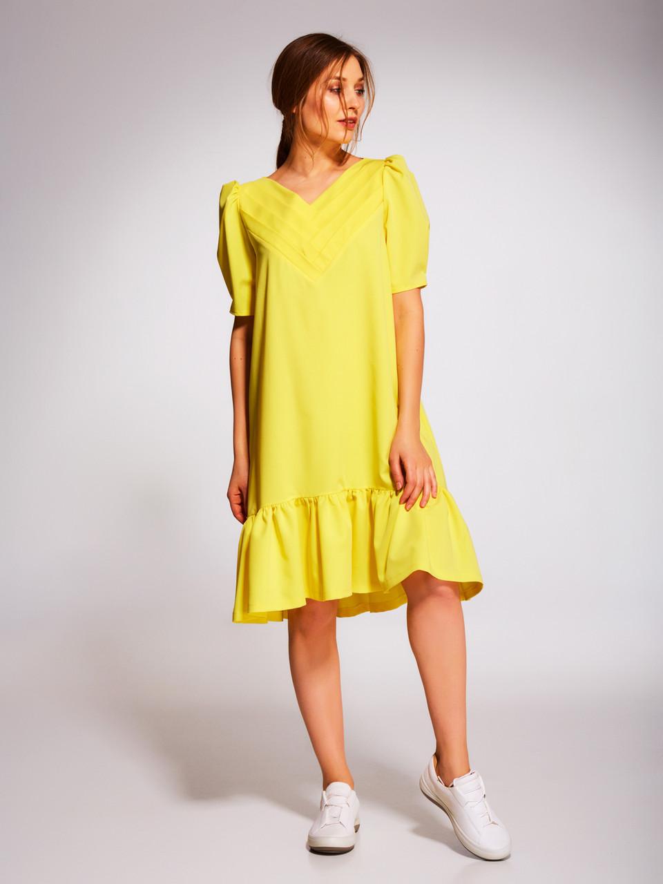 Платье с цветами по низу