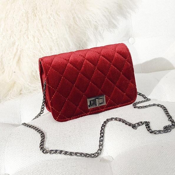 83262883adaa Женская маленькая сумочка бархатная с цепочкой красная - ModaShop в Киеве