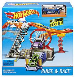 Трек Хот Вилс гонка скорости автомойка Hot Wheels Rinse & Race Play Set