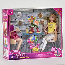 Куклы в кафе