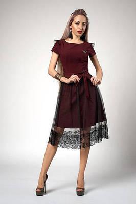 Нарядное бордовое платье-клеш, с поясом и фатиновою юбкой украшеной кружевом
