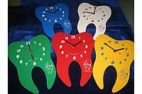 Часы настенные  в виде зуба