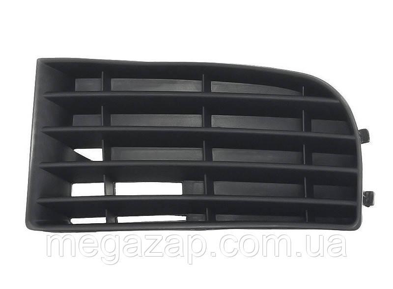 Решетка переднего бампера левая VW Golf 5 (03-09)