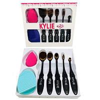 Набор кистей Kylie   ( кисти 5 шт. + спонж + щетка для очистки кистей )