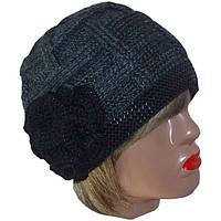 Женская вязаная шапка объемной вязки c цветком цвета антрацит
