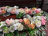 Гирлянда из искусственных цветов в нежных весенних цветах., фото 2