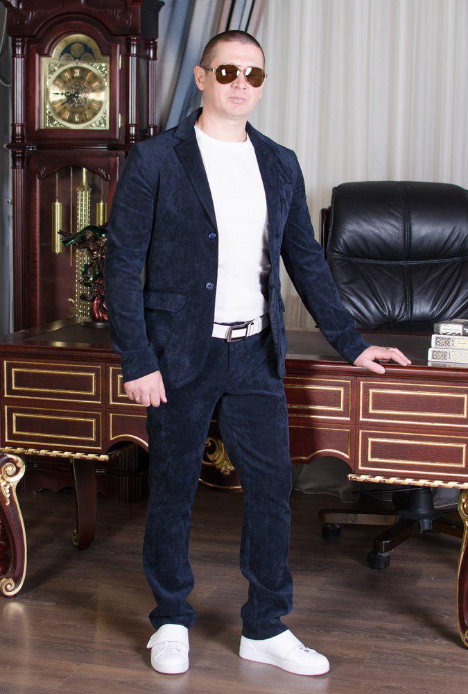 Стильный мужскойтемный вильветовый костюм в деловом стиле (р.42,50)