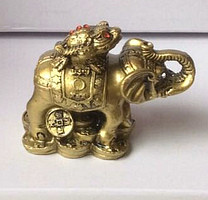 Статуэтка Слон-жаба, высота 6 см.
