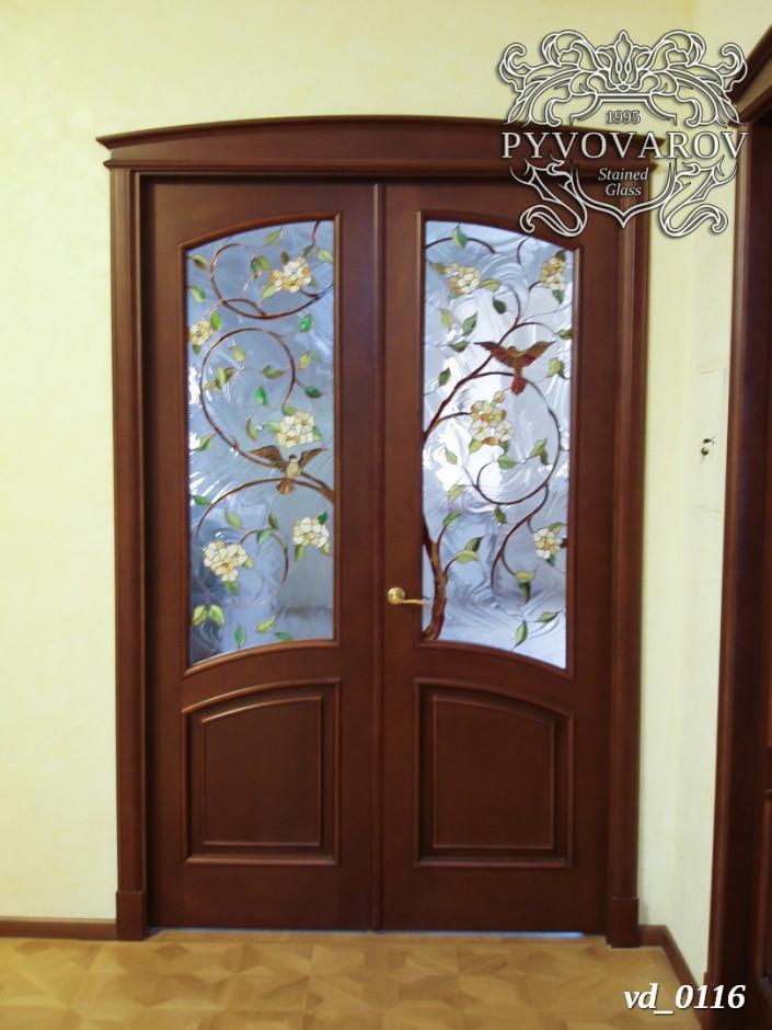Витражи Тиффани с веточками сакуры в межкомнатные распашные двери