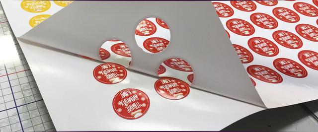 Печать круглых стикеров