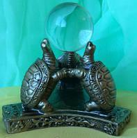 Статуэтка фэн - шуй три черепахи с шаром, высота 8 см.